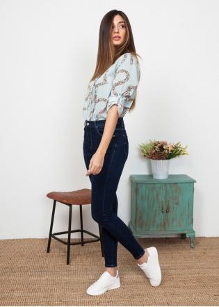 camisa-letras-estampadas